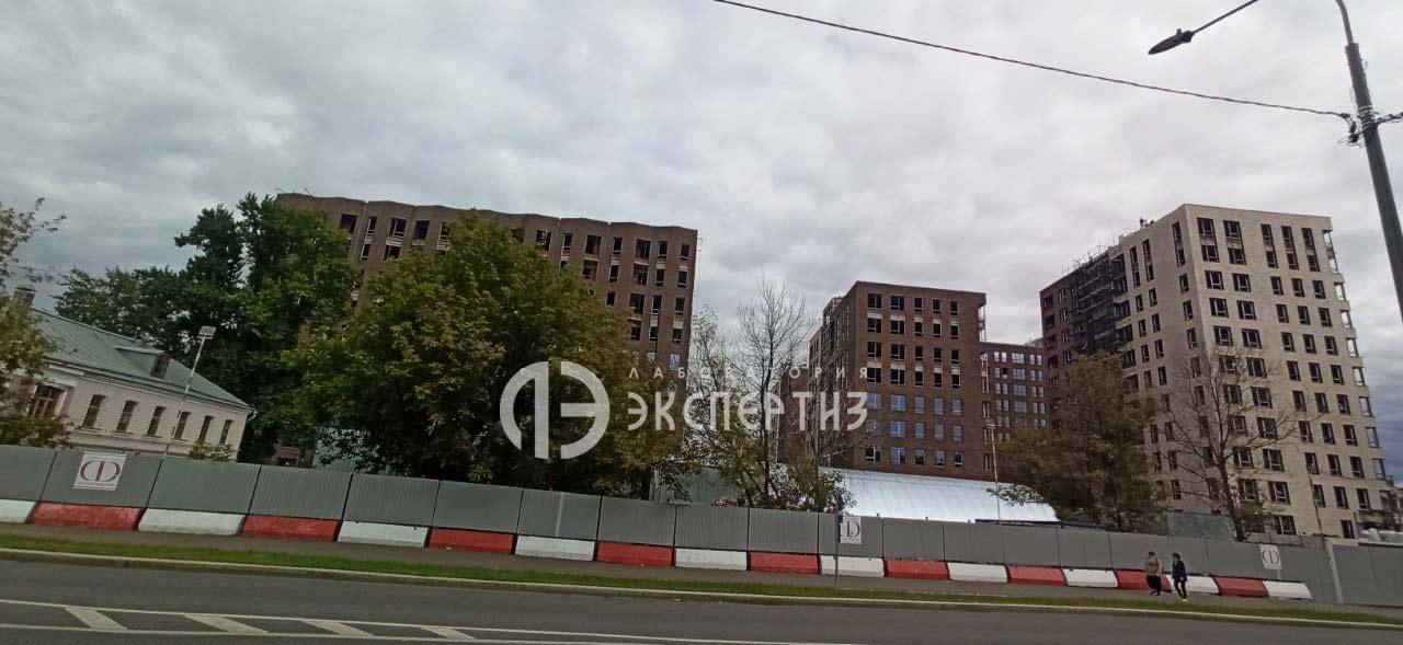 Комплекст строящихся зданий в Москве на почтовой.