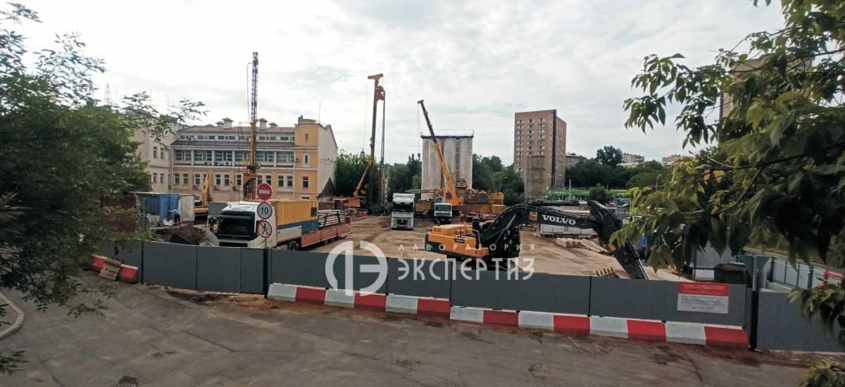 Вид на строительную площадку в Полуярославском Москва Конрэс